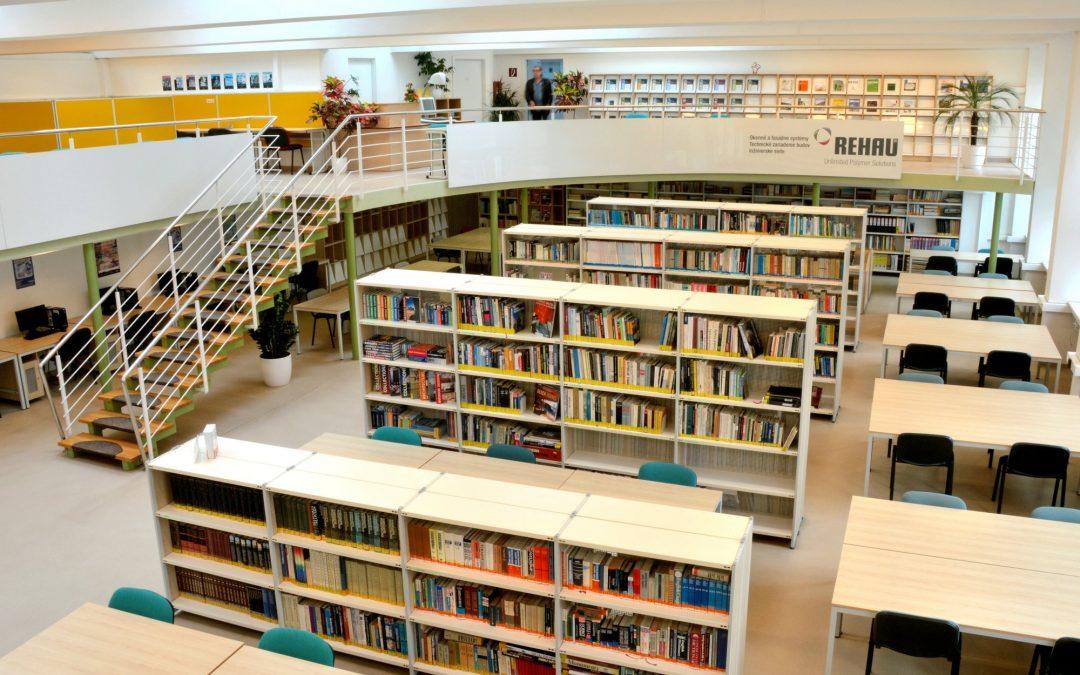 Výpožičky študijnej literatúry z fondov KIC